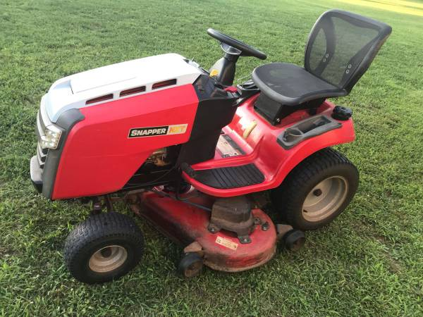 Photo Snapper 52Automatic Riding Mower - $1300 (North Greer)