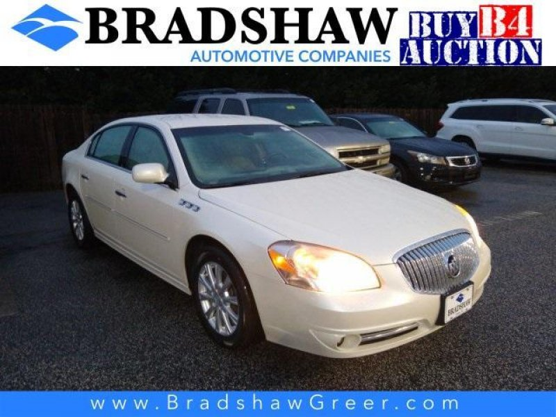 Photo Used 2011 Buick Lucerne CXL for sale