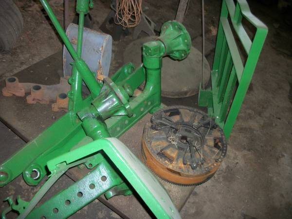 Photo Various parts off of a JD 2155 (upstate,sc)