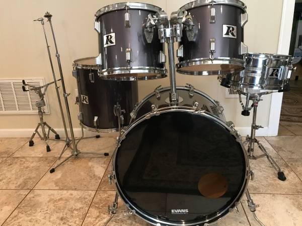 Photo Vintage Rogers drum set shells - $525 (Greenville, SC eastside)