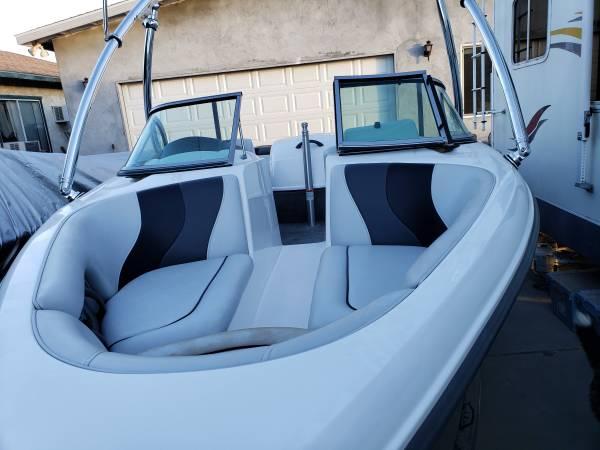 Photo 2006 moomba 21 ft open bow ski boat. - $20,000 (corcoran)