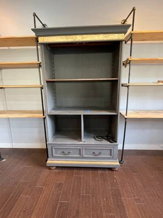 Photo Armoire  Dresser with shelves  drawer (no top doors) (Los olivos)