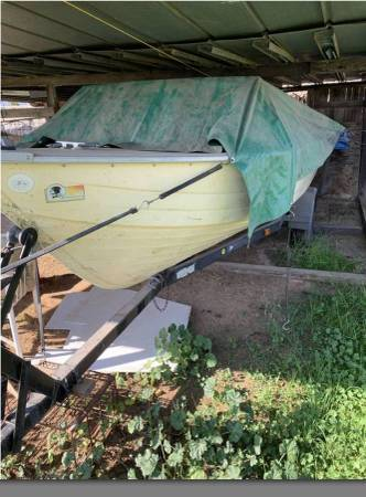 Photo BOAT WITH TRAILER - NO MOTOR - MirroCraft aluminum boat wtrailer - $1,400 (Sanger)