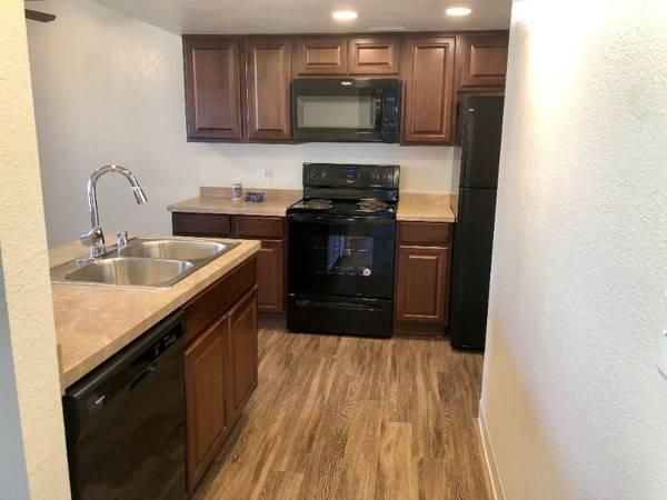 Photo Beautiful 1 Bedroom 1 Bath Apartment Home Coming Soon (580 West Fargo Avenue, Hanford, CA)