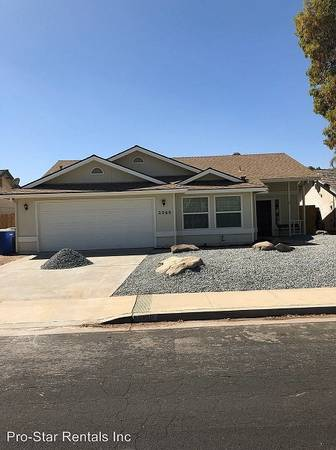 Photo Beautiful home with great upgrades (Fernwood Dr, Hanford, CA)