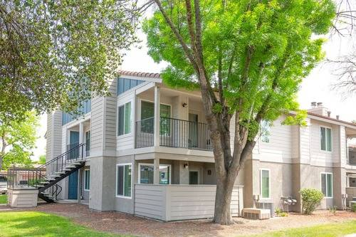 Photo Beautifully Renovated 1 Bed 1 Bath Available In September (580 West Fargo Avenue, Hanford, CA, US)