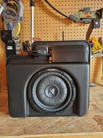 Photo Chevy gmc custom sub, , and box - $300 (HANFORD)