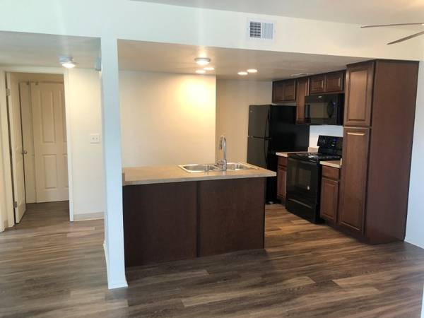Photo Dont Be A Fool This April Apply For Our 1Bed 1Bath Apartment Home (580 West Fargo Ave, Hanford, CA, US)