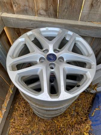 Photo Ford Fusion Alloy Wheels For Sale - $20 (Hanford)