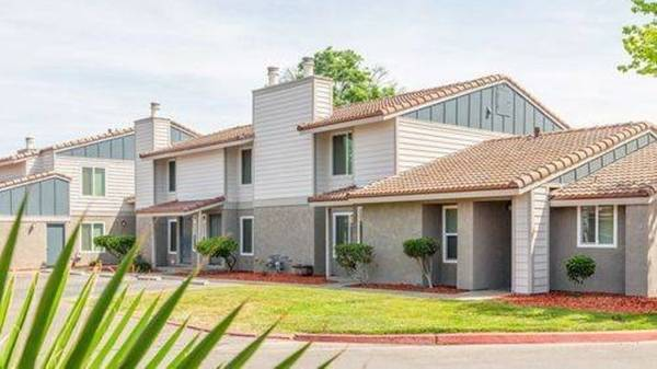 Photo Great Day To Rent My Way (580 West Fargo Ave, Hanford, CA, US)
