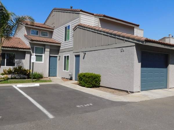 Photo Have A Happy New Year In Your New Home (580 West Fargo Ave, Hanford, CA, US)
