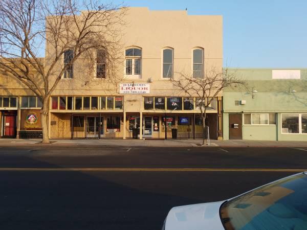 Photo LIQUOR STORE HANFORD - $1 (HANFORD CA)