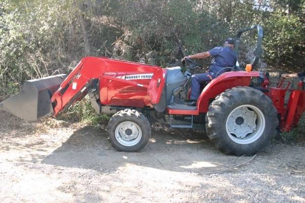 Photo Massey Ferguson 1547 Tractor (Call Us About Our Lay-A-Way Program Today)