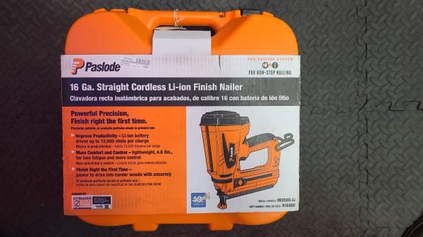 Photo Paslode IM250S-Li Straight Li-Ion Cordless Finish Nailer, 1-14quot to 2- - $270 (Fresno)