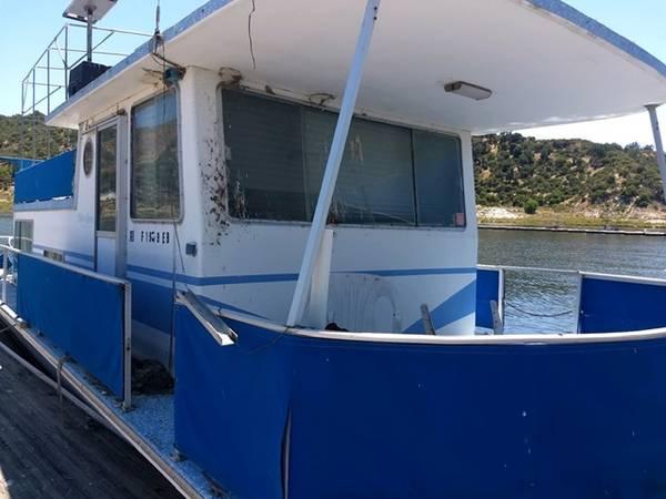 Photo Silver Queen Houseboat - $10,000 (Lake San Antonio, Ca)