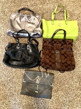 Photo Womens Designer Handbags (Coach, Michael Kors, others) - $20 (Fresno)