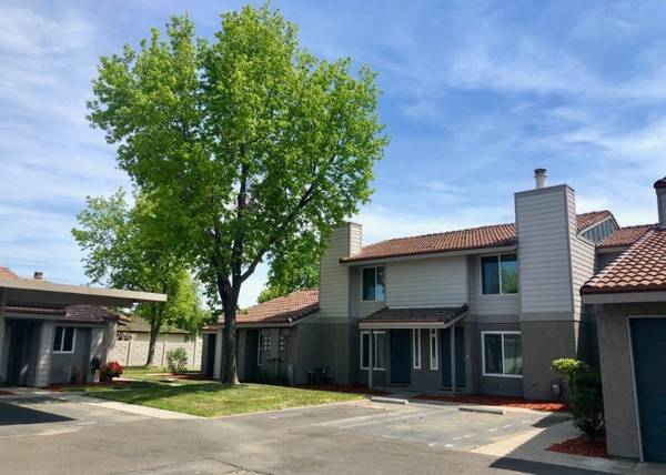 Photo It39s A SWEET Place To Live  2Bed 1.5Bath Townhome  (580 West Fargo Ave, Hanford, CA, US)