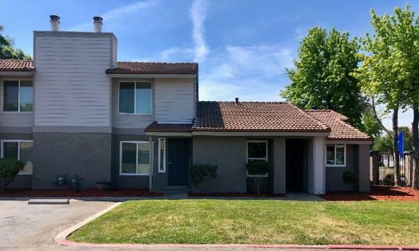 Photo gtgtgt Modern 2Bedroom Cottages With HUGE Kitchens  Apply Online ltltlt (580 West Fargo Ave, Hanford, CA, US)