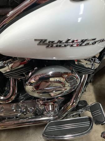 Photo 05 Harley road king - $8,900 (Frederick)