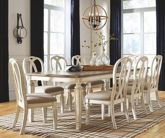 Photo 1775NICE(Dining )..Table chairs off white rustic look - $1,775 (Harrisburg,Pennsylvania)