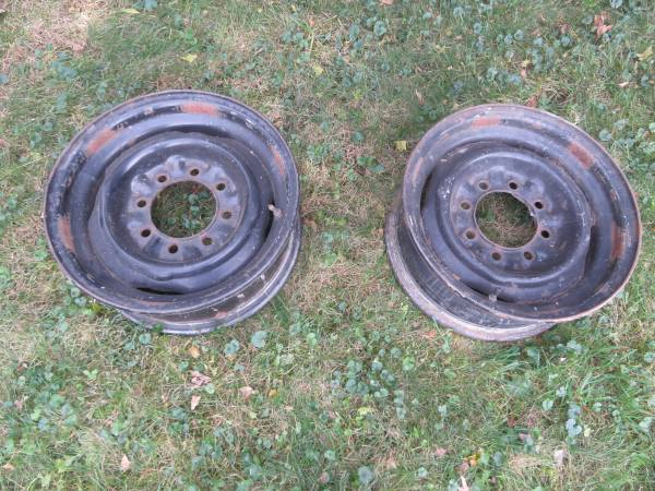 Photo 1986-91 Ford Truck wheel rims, hubcaps, headlights, grill, other - $35 (Mechanicsburg PA)