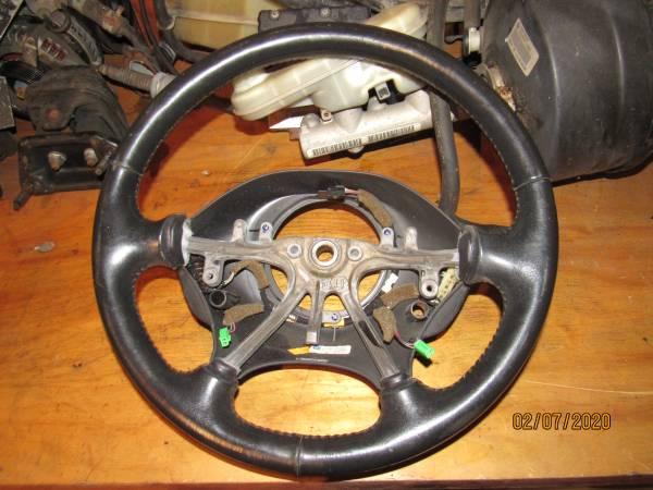 Photo 2002 Chrysler 300M Steering Wheel - $20 (Duncannon)