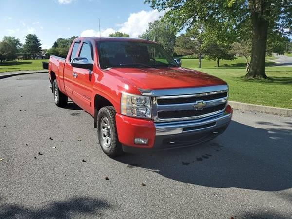 Photo 2011 Chevrolet Silverado 1500 Extended Cab - SAL39S AUTO SALES MOUNT JO - $14995.00