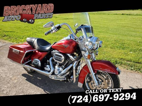 Photo 2013 Harley Davidson Road King - $5,995 (Harley Davidson Road King Motorcycle)
