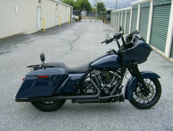 Photo 2019 Harley Road Glide Special - $25,000 (YORK)