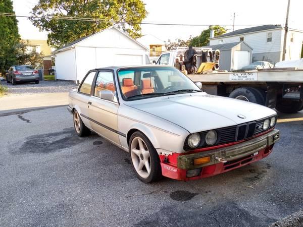 Photo BMW 325i 318is E30 2 door 5spd - $3000 (Lemoyne)