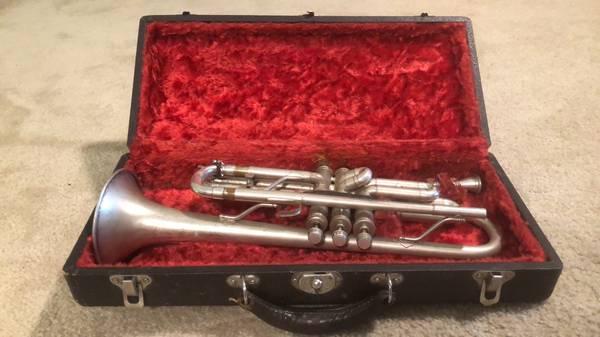 Photo Cavalier 1930 Silver Trumpet - $200