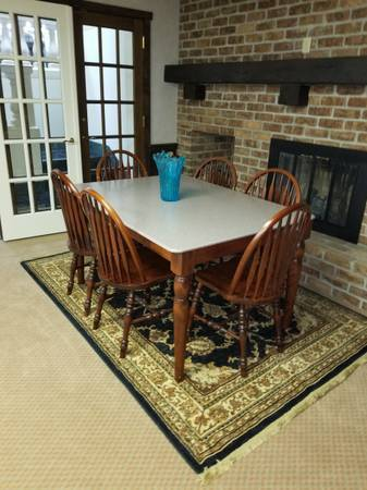 Photo Corian Top Table And Six Chairs - $250