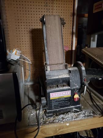 Photo Craftsman rotating belt sander - $100 (Newville)