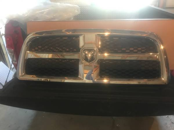 Photo DODGE RAM CHROME GRILL - $100 (New Bloomfield Pa)