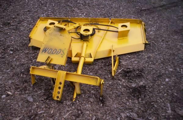 Photo Farmall Cub belly mower - $350 (Hershey, PA)