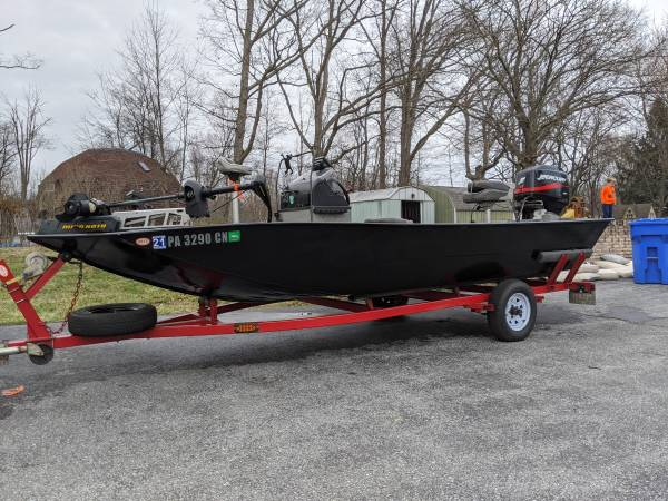 Photo Forest River Tunnel Hull Jet Boat - $12500 (Harrisburg)