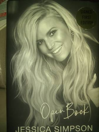 Photo Jessica Simpson Open Book signed 1st Edition - $10 (C Hill)