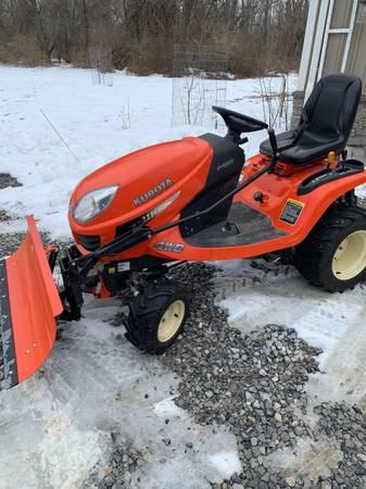 Photo Kubota Tractor GR2110 Mower with Snow Blade - $5,600 (Carlisle)