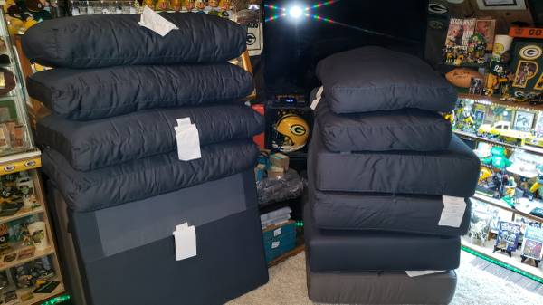 Photo Lovesac sanctionals cushions back pillows new never used - $100 (Harrisburg)