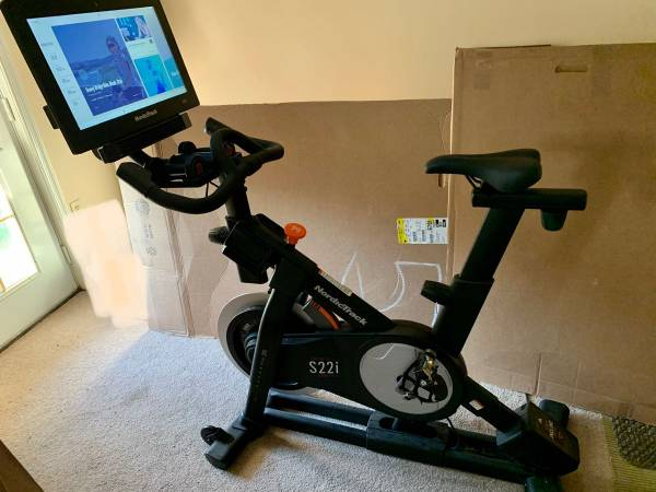 Photo Nordic Track S22i Exercise bike cycle - $1,700 (17112)
