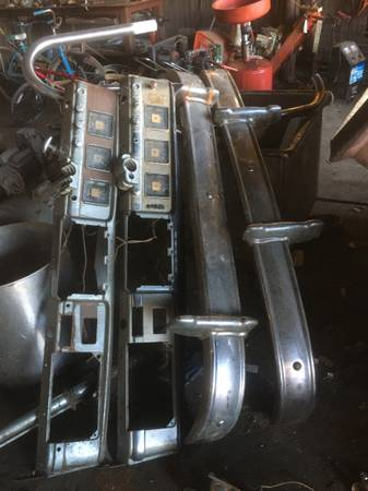 Photo Parts off of a old Dodge pick up - $100 (Harrisburg)