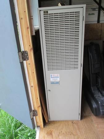 Photo Shop  garage  mobile home oil furnace - $300 (York Haven)