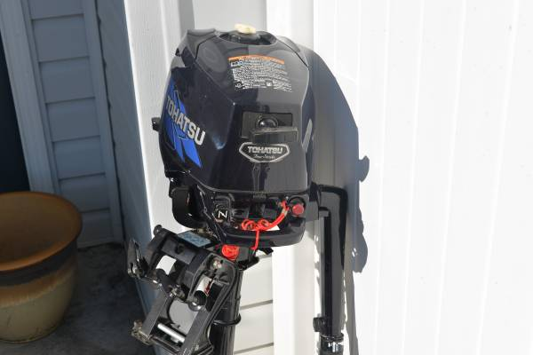 Photo Tohatsu four stroke 3.5 hp outboard motor - $400 (Mechanicsburg)
