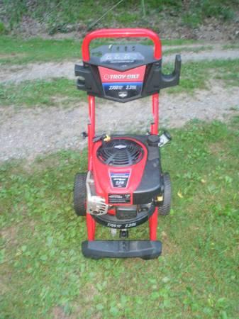 Photo Troy-Bilt 2700psi Power Washer Briggs and Stratton 2.3GPM - $125 (Williamstown, PA)