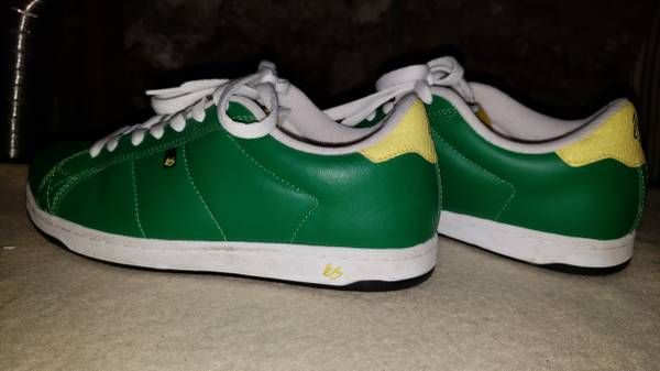 Photo es lime green skate shoes like new sz10 - $10 (Harrisburg)