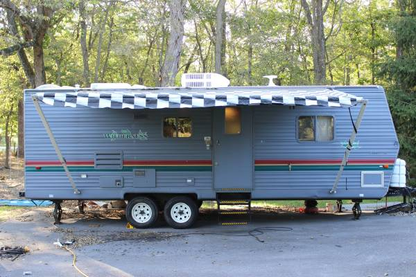 Photo 2001 Fleetwood Wilderness 27H - $7,800 (Kearneysville)