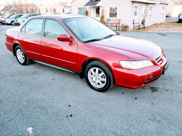 Photo 2002 HONDA ACCORD  1-OWNER  Automatic 4 Cylinder MINT Condition - $3990 (ROYAL PIKE MOTORS)
