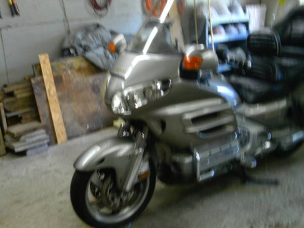 Photo 2002 Honda Goldwing-MAKE OFFER - $6,500 (Timberville)