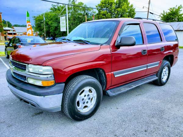 Photo 2004 CHEVY TAHOE 4X4 7-SEATER   FREE 3 MONTH WARRANTY - $6,990 (ROYAL PIKE MOTORS)