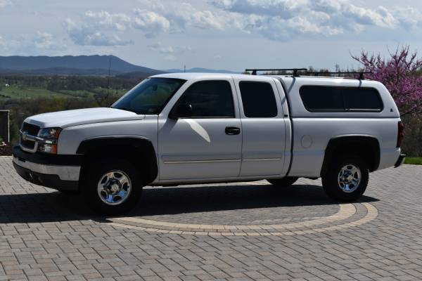 Photo 2004 Chevy Silverado 1500 Matching Topper - $9753 (Harrisonburg)